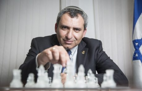 """זאב אלקין """"העולה החדש""""  שעלה ארצה בדצמבר 1990  מועמד לבחירות לראשות עיריית ירושלים"""